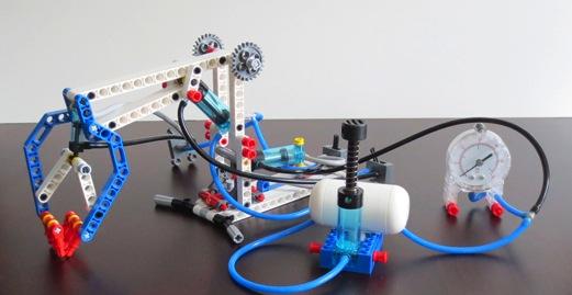 LEGO-Pneumatics-Robot-Arm1